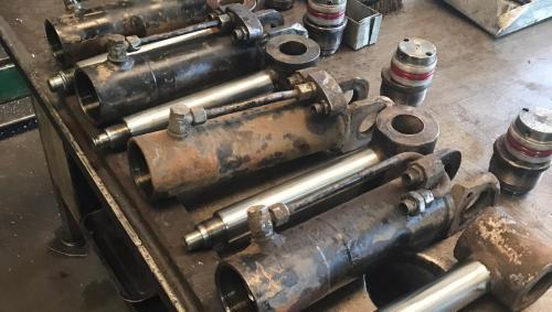 reparatii-cilindrii-hidraulici-pneumatici-cluj-2